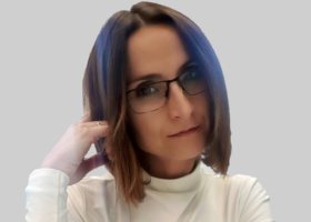 Dº. Cristina García