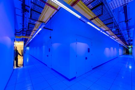 EQUINIX se convierte en la primera compañía en cumplimentar las reglas del Consejo Europeo de Protección de Datos bajo el nuevo régimen de GDPR